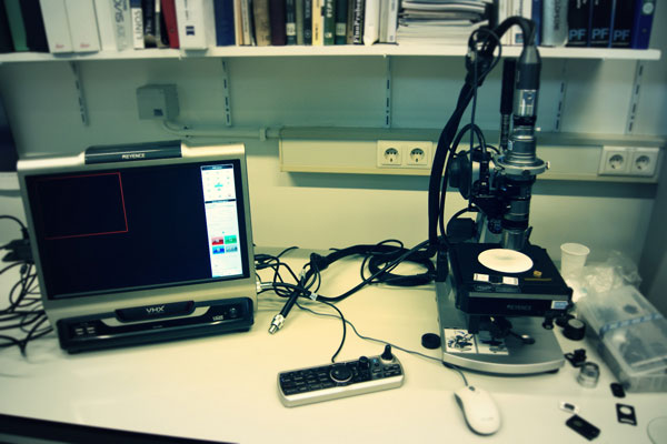 20130626 Demonstration of the Keyence Digital Microscope VHX-2000 -1