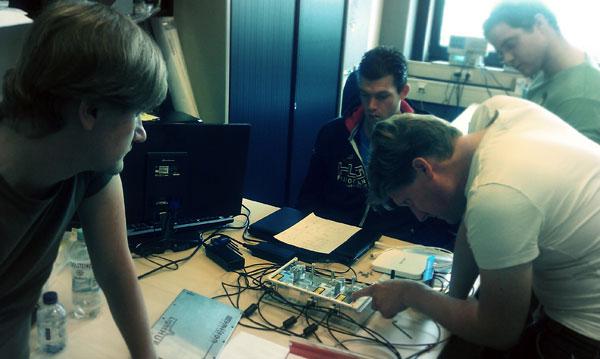 20131008 Testing Omicron LightHUB-4 photo 1