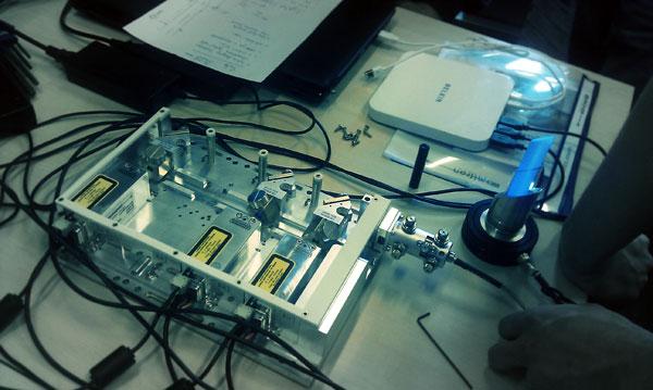 20131008 Testing Omicron LightHUB-4 photo 2